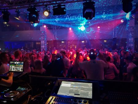 Amadeus Horse Indoors Riders Party 2018 ©Revolution Rental